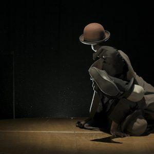 acro chapeaux